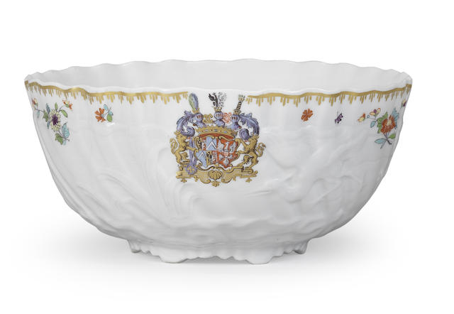 A Meissen slop bowl from the Swan Service
