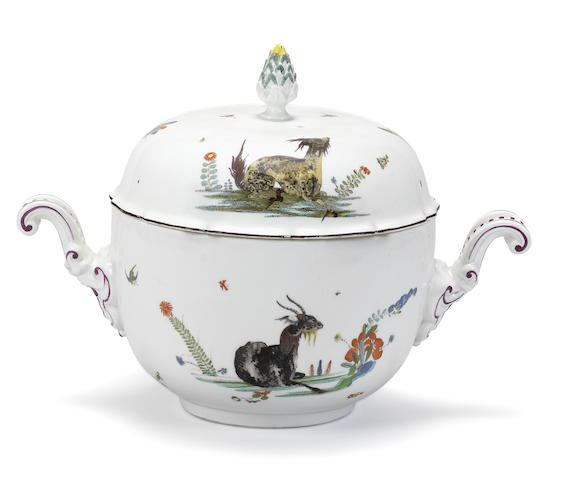 A Meissen tureen and cover