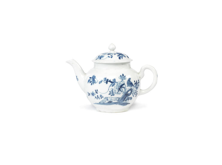 A good Worcester teapot and cover of attractive small size