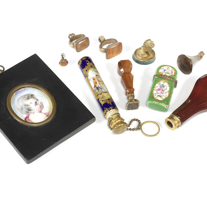 A collection of 18th and 19th century objects of vertu