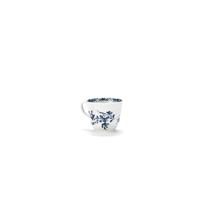 A small Worcester blue and white decorated tea cup