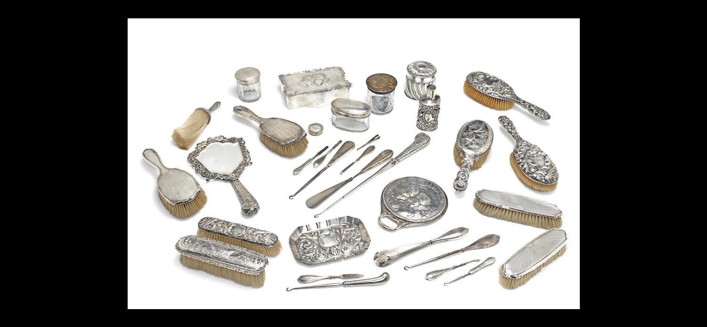 An Edwardian silver jewel box
