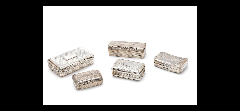 A George III silver snuff box