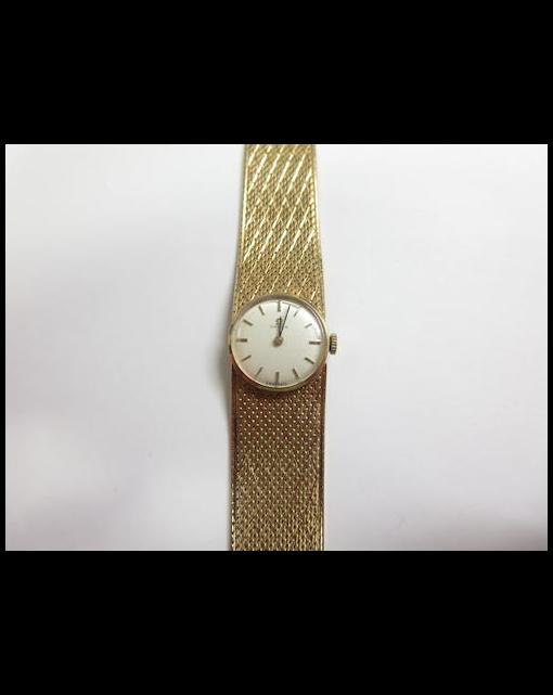 A lady's 9ct gold wristwatch