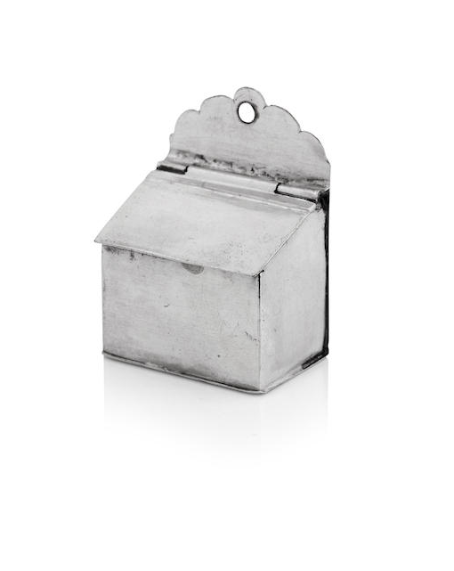 A miniature silver salt-box