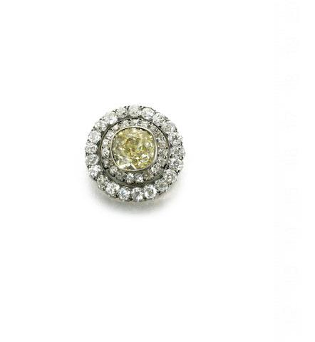 A late 19th century diamond cluster brooch