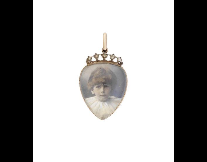 A 19th century heart-shaped locket pendant