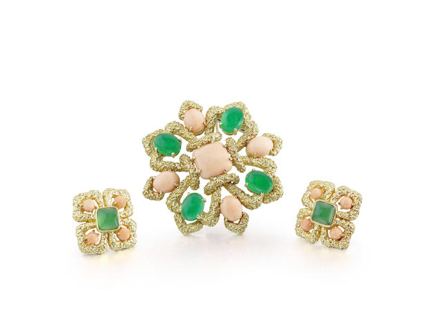 A corallium rubrum and chrysoprase brooch/pendant and earclip suite