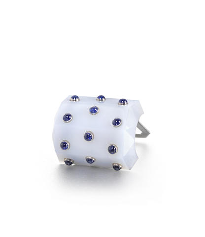 A chalcedony and sapphire clip brooch