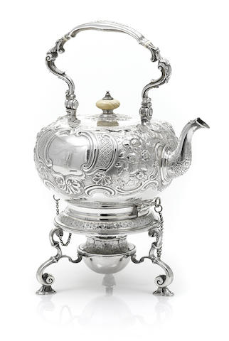 A Victorian sterling silver kettle-on-stand