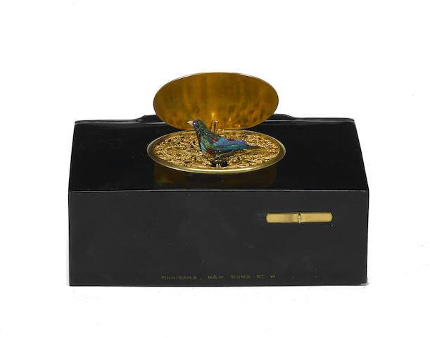 A Continental gilt-metal and tortoiseshell singing bird box