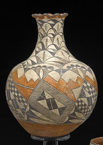 An Acoma polychrome vase