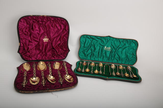 A cased set of Victorian silver-gilt serving spoons