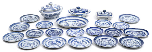 A group of twenty two Chinese blue and white porcelain partial dinner service