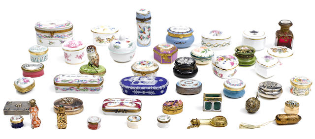 A assorted group of fourty two snuff boxes
