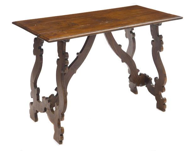 An Italian trestle table