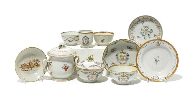 Twenty-four pieces of Chinese Export porcelain tableware