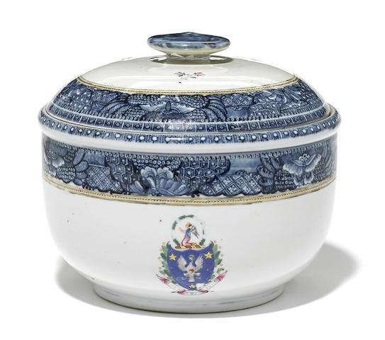 A Chinese Export porcelain armorial covered bowl