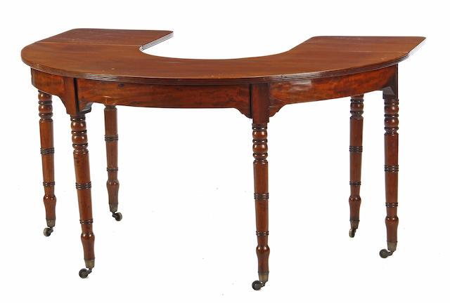 A Regency mahogany hunt/wine table