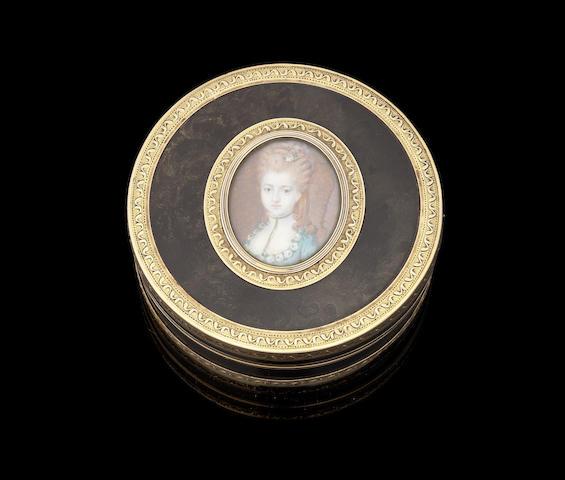 A French gold mounted tortoiseshell circular box