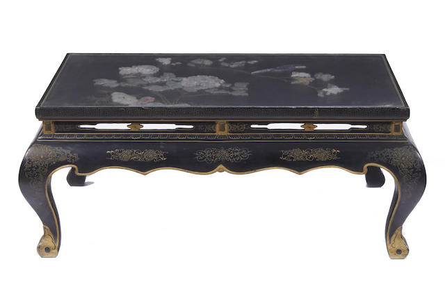 A Chinese hardstone mounted lacquered low table together with a set of four Chinese lacquered nesting tables