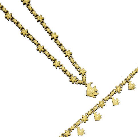 A pendant necklace and bracelet suite