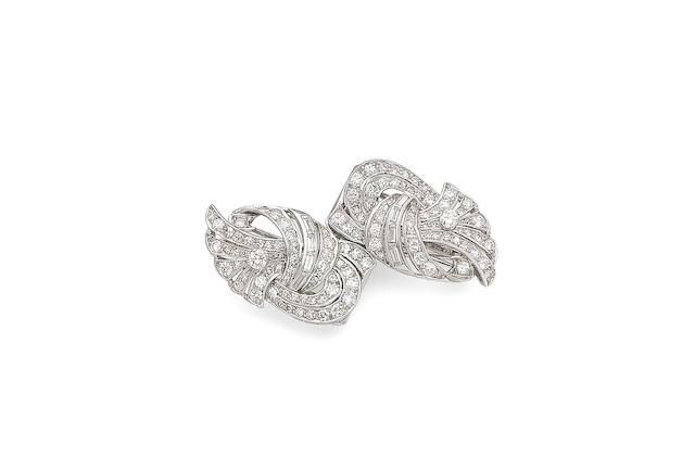 A diamond double-clip brooch