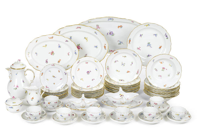 A Meissen porcelain dinner service