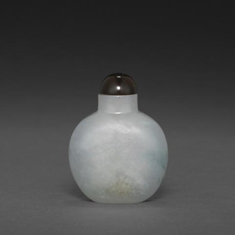 A jadeite snuff bottle