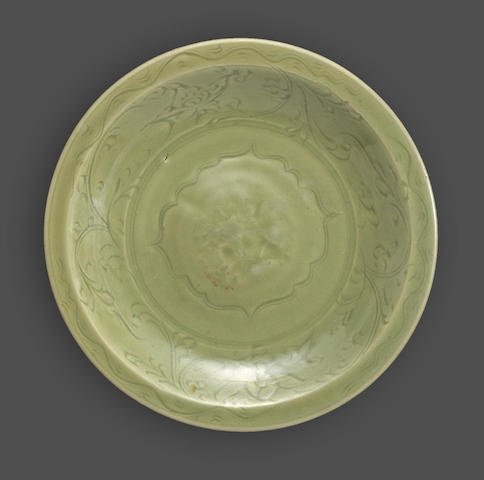 A Longquan celadon deep dish with incised and stamped decoration