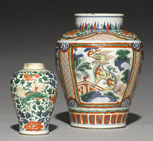 Two wucai-decorated vases