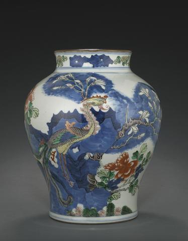 A wucai-decorated jar