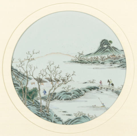 A famille rose enameled circular plaque