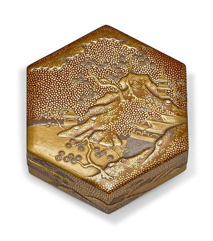 A lacquer hexagonal small box, kobako