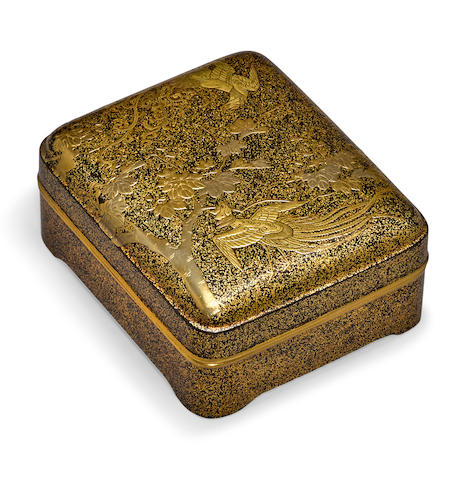 A gilt lacquer small box, kobako