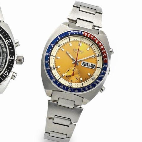 Seiko. A stainless steel automatic chronograph calendar bracelet watch