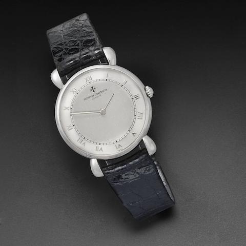 A platinum manual wind wristwatch