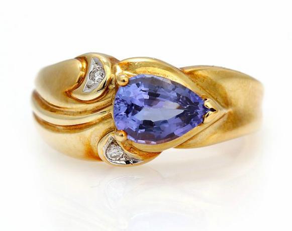 A tanzanite and diamond ring set
