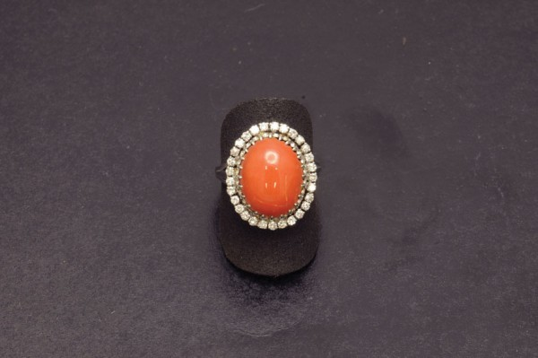 Gold ring, coral and bright