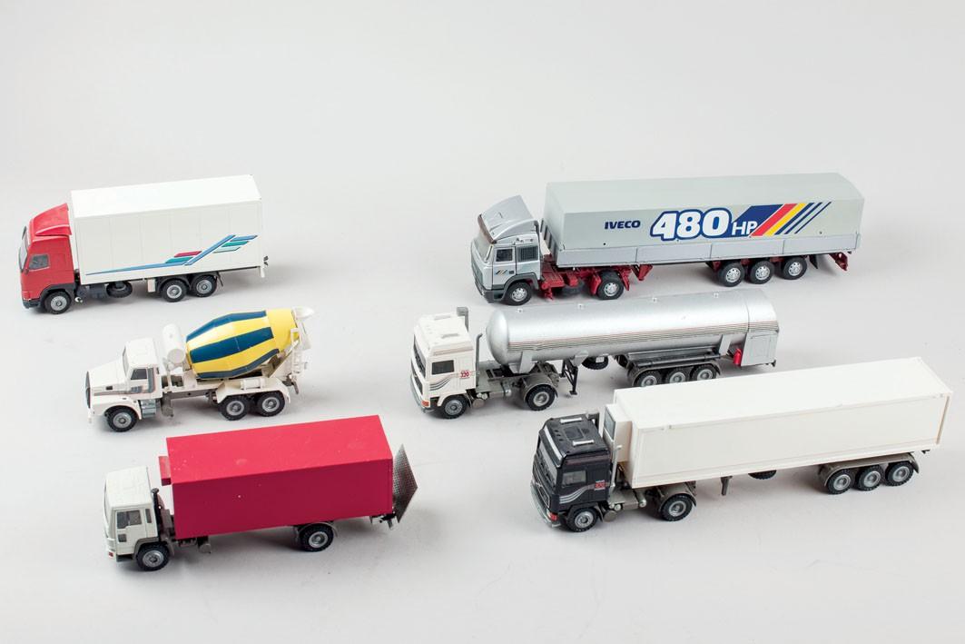 Twenty-two trucks in 1:50