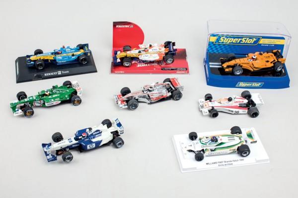 Lote de trece coches de pista de pilotos españole