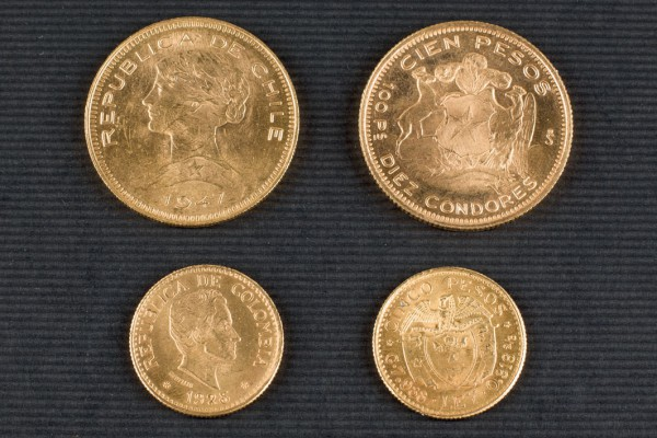Lot of 19 gold coins