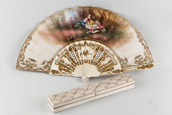Spanish fan, wood and fabric