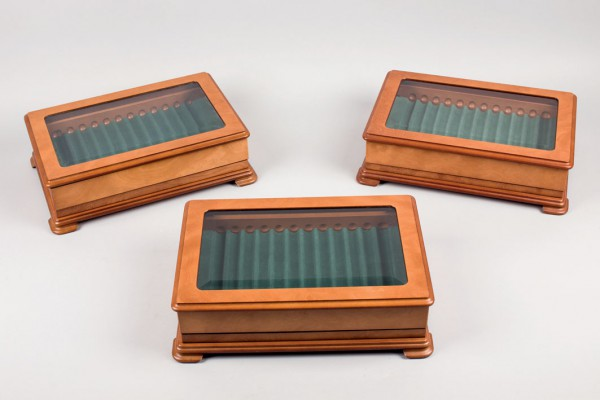 Three feather display boxes