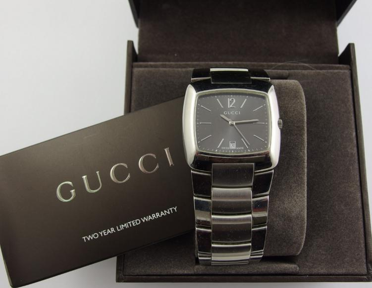 A stainless steel Gucci watch number 8500M 9433915 RRP £450
