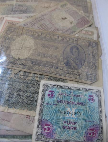 Small collection of foreign banknotes to include Chile