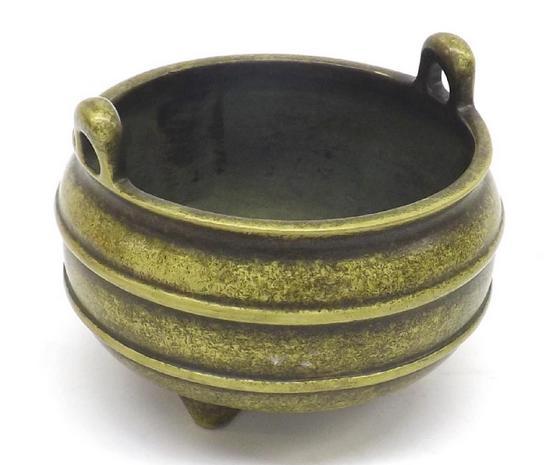 Small Chinese bronze censer