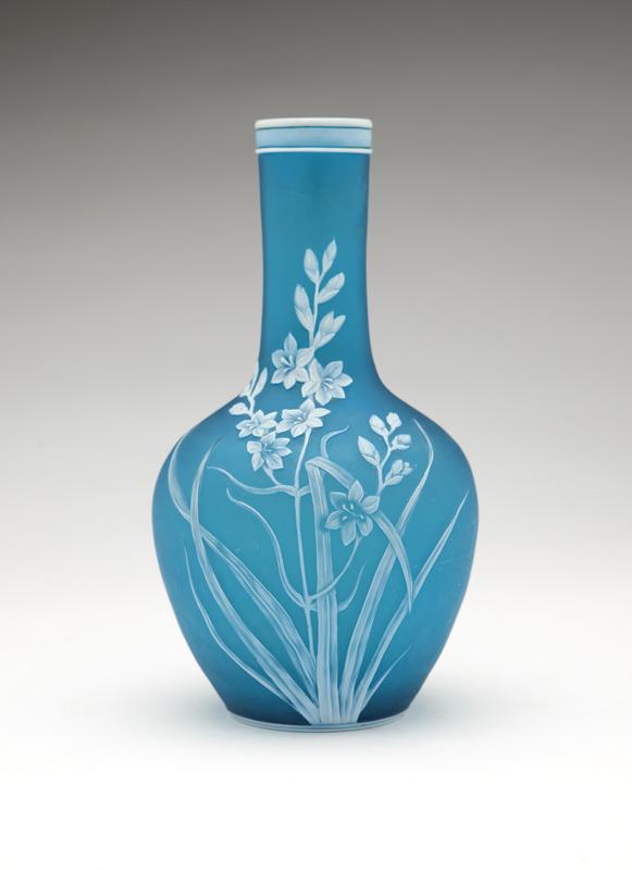 A Thomas Webb & Sons cameo glass vase