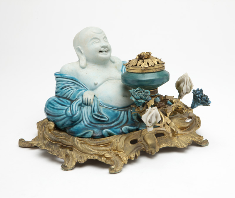 A gilt-bronze and porcelain Chinoiserie inkwell