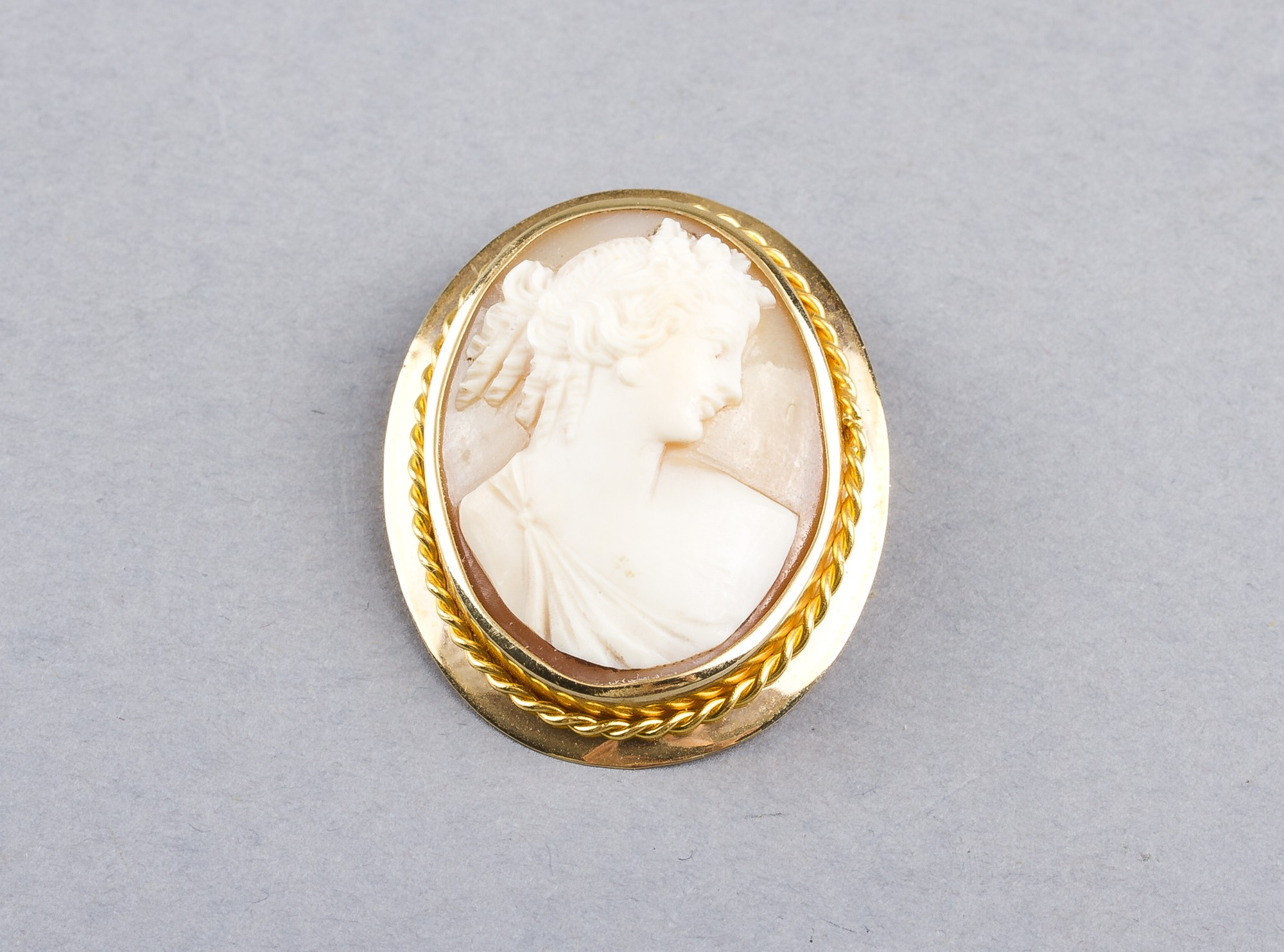 Camee brooch